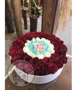 باکس گل رز چهار رنگ