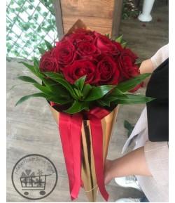دسته گل رز قرمز لاکچری -210