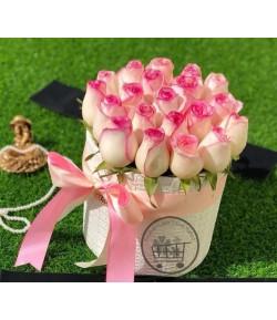 باکس غنچه گل سفید لب صورتی -127