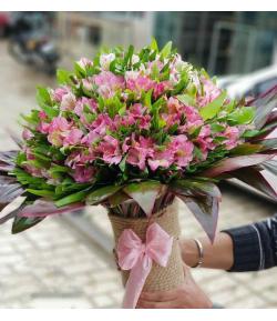 گل ماندگار آلسترومریا